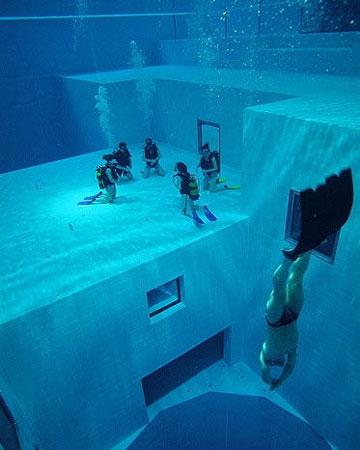 世界上最深的游泳池-Nemo33