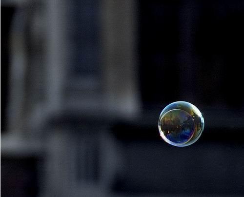 图片 空气中一个气泡